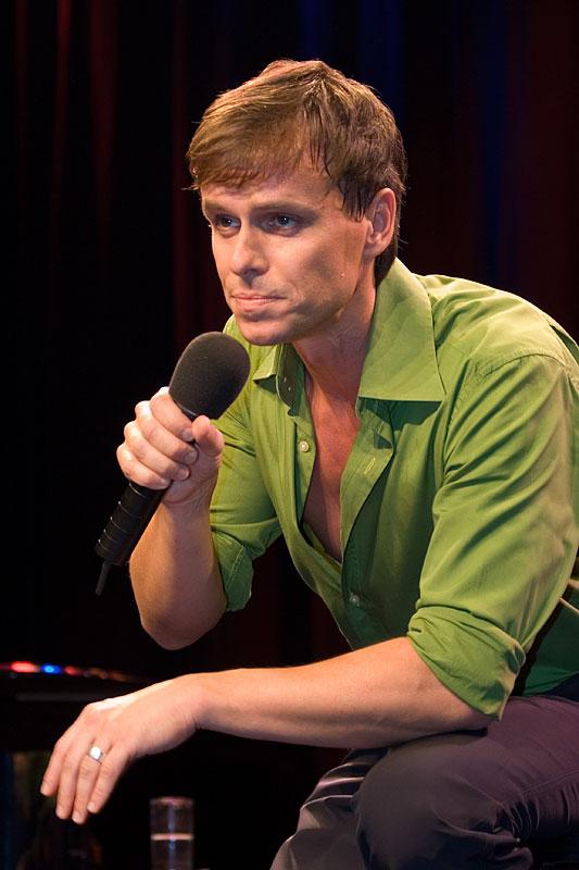 http://www.musical-world.de/uploads/pics/FelixMartin4.jpg
